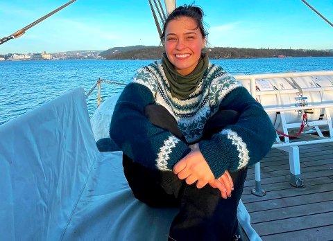 MENINGSFULL SJØTUR: Takket være et opphold på Christian Radich, har Elise Gustavsen (20) funnet ut hva hun trolig vil utdanne seg til. – Man blir godt kjent med seg selv på en slik tur, hun.
