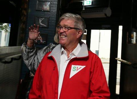 Jan Refsnes er tilbake i bystyret for SV. Der sitter han sammen med Heidi Bjerga. Her er han på valgkvelden 9. september.