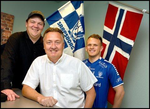 Patrick Walther Larsen, Petter Kalnes og Alexander Klaussen er klare for fest på Sarpsborg stadion.
