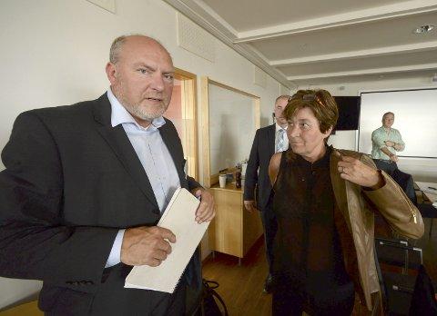 UENIGE: NHO-direktør Svein Oppegaard (t.v.) er uenig med LO- leder Gerd Kristiansen om midlertidige ansettelser.Foto: NTB scanpix