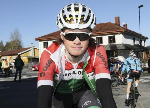 SATSER: Vebjørn Bredesen Rønning får mulighet til å sykle for to klubber i år. Svelvik-gutten har også fått kontrakt med en belgisk klubb.