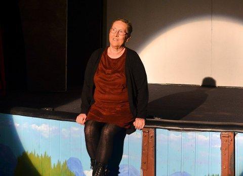 TILBAKE: I 2017 ble Sigrunn Bertelsen kreftsyk. Hun trodde da at hun aldri kom til å stå på scenen igjen. Fredag står hun på scenen – premiereklar og kreftfri.