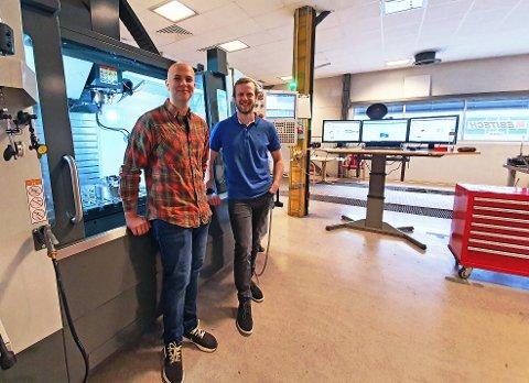 PÅ OFFENSIVEN: Ebitech har etablert seg i Herøya industripark. Etterspørselen er det ingenting å si på, og Magnus Dyrvig og Erik Bjørbæk Iversen (daglig leder) i det halvt år gamle selskapet er på utkikk etter flere medarbeidere.