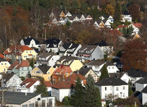 Norges Bank hever neppe renten med det første. Men renten skal heller ikke videre ned.