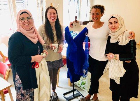 Nor syverksted: (f.v.)  Safia Nader Alhomsi fra Syria, Khlat Abdi fra Syria, Letty Eriksen fra Shetland og Trine Egebakken fra Kristiansand.
