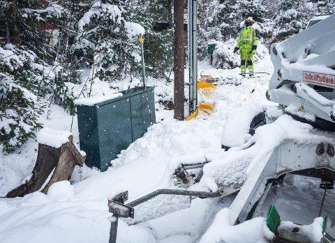 BLE FRAKOBLET: Bjørn Økland og flere av hans naboer i Ås mistet internettforbindelsen torsdag på grunn av arbeider med en mast. Det er langt ifra første gang beboere i området mister nettforbindelsen uten forvarsel, sier Økland.