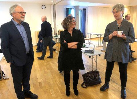 MÅL: Fylkeskommunedirektør Ottar Brage Guttelvik, nyvalgt styreleder Malene Aaram Vike og fylkesordfører Tove-Lise Torve er enige om at det bør være realistisk med byggestart av Todalsfjordprosjektet i 2025.