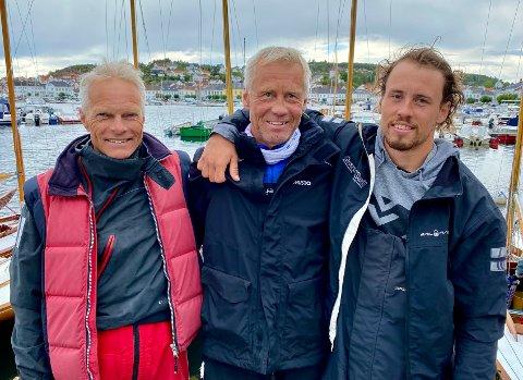 NORGESMESTERERE: Magne Halvorsen (fra venstre), Erik Mathisen og Mads Mathisen vant NM-gull i 12,5 kvm. hjemme i Risør.