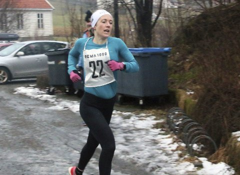 I form: Rutinerte Sara Rebekka Færø Linde sprang eit godt løp i Nyttårsløpet til Eikanger IL. Alle foto: Stanley Hauge