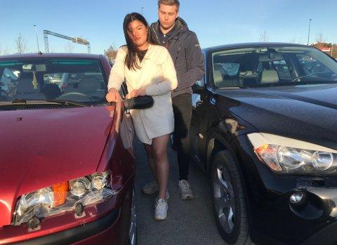 Begge bilene skadet: Det var et trist syn som møtte  Ingrid Hagen (20) og Andreas Hultmann (19). Bruk pilen > for å se flere bilder.