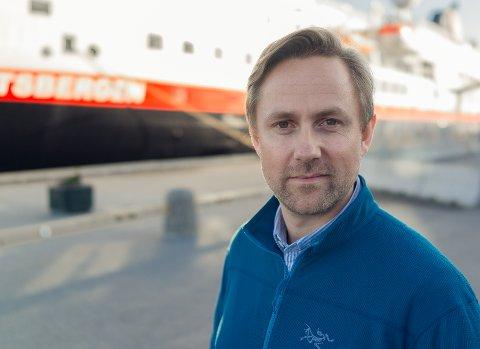 TRENGER TID: Kommunikasjonssjef Rune Thomas Ege sier at det er stor pågang for kundebehandlerne.