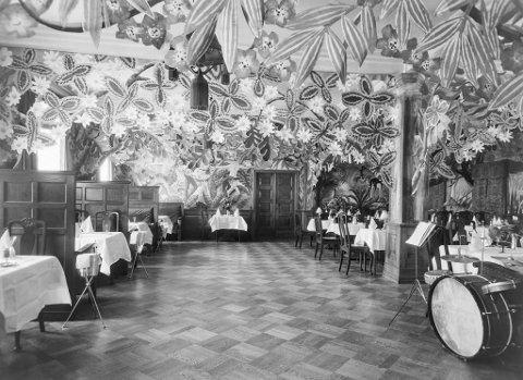 Børs Kafe og Restaurant på trettitalet var ein unik kombo av eksotisk tablå og jazzarena kombinert med kokekunst.