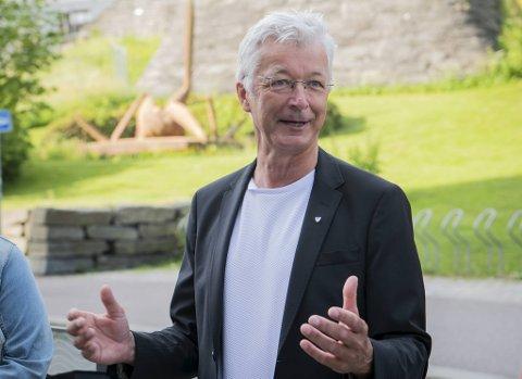 «Ballen leggjast daud!», er fylkesordfører Jon Askelands kontante svar på forslag om å legge ned studieretningen for musikk, dans og drama for å spare penger.