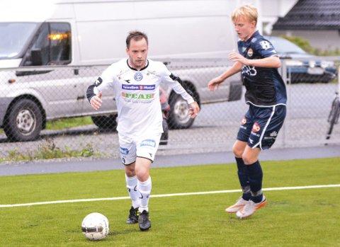 AVGJORDE: Simen Velstad scoret to, og avgjorde kampen mellom MFK og MIF 2 tirsdag kveld.Arkivfoto
