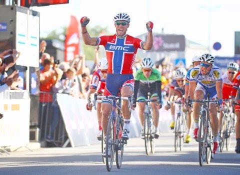 Thor Hushovd inntar Egersund søndag formiddag sammen med en rekke både norske og utenlandske sykkelstjerner.