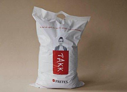 Fretex-posen kan du få på Posten.