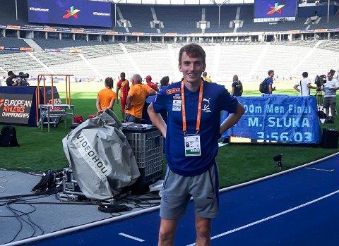 PÅ PLASS: På denne arenaen, Olympastadion i Berlin, skal Marius Vedvik tysdag kveld forsvare dei raude, kvite og blå fargane i EM. – Det blir mektig, seier førdianaren.