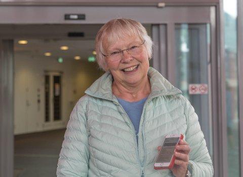 KLAR: Anne Haldis Instefjord var blant dei som røysta på førehand på Førde tenestetorg tysdag 10. august.