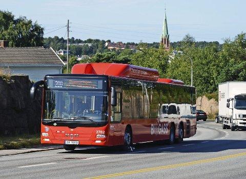 VIL ENDRE SEG: Mye kommer til å endre seg når det gjelder betalingsbetingelsene for å ta buss fra 27. februar. Da innfører nemlig de tre busselskapene i Viken like vilkår for alle passasjerene i det nye storfylket.