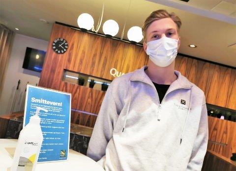 KARANTÄN: Svenske Jesper Kronenberg (20) måtte rett i karantene da han kom til Norge og Fredrikstad. De første døgnene tilbragte han på Qualtity Hotel i sentrum.