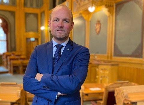 Ole André Myhrvold (Sp) nekter å legge saken om arbeidssituasjonen blant politijuristene død.