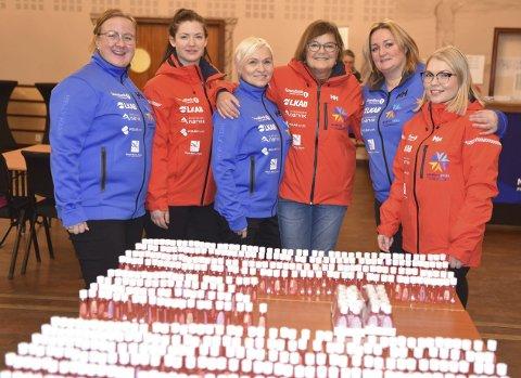 «Vm-DAMER»: Det jobbes for fullt på rennkontoret på Quality Grand. F v Linda Bogholm Kolloen, Sara Norqvist, Unni Forshaug, Hilde Rønning, Ann-Hege Lund og Bettina Forshaug Olsen. Foto: Kolsvik