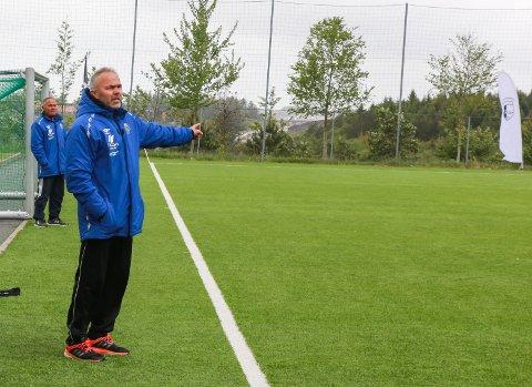 Bogafjell-Figgjo 2-1 i OBOS cup. Figgjo-trener Jan Terje Hetland synes selvsagt ikke det er greit å ryke ut av cupen, men ser lyst på prestasjonen mot ett av 5. divisjons topplag.