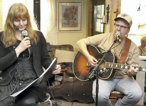 I TOSPANN: Roy Lønhøiden er en kjent og kjær gjest hos Frelsesarmeen. Mandag har han med seg gitar og sangstemme til kafé Williams, og Hilde Dagfinrud Valen følger opp med kåseri og funderinger over livet.