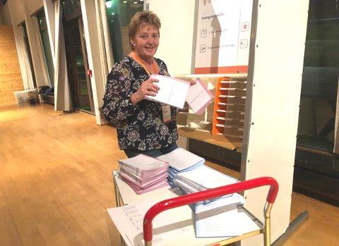 FORNØYD: Jorunn W. Tangen og resten av stemmestyret i Eidskog er veldig glade for valgoppslutningen i kommunen.