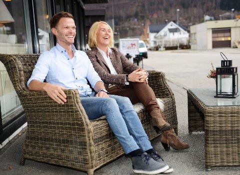 Nye koster: Unni Strand og Kenneth Nordahl-Pedersen er ansatt som henholdvis reiselivssjef og markedsansvarlig i Nasjonalparkriket Reiseliv. Foto:Einar Almehagen