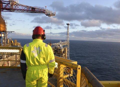 PRESSET: En undersøkelse blant ansatte offshore viser at de i større grad enn før synes at selskapene nedprioriterer HMS. Foto: Nerijus Adomaitis /Retuters /NTB scanpix