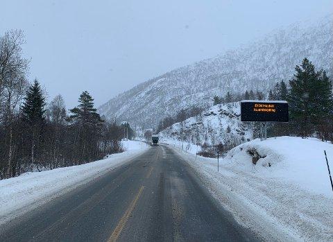 GLATT: Det er glatte forhold langs E 134 om dagen. Thord Paulsen mener salting av veien bør unngås.