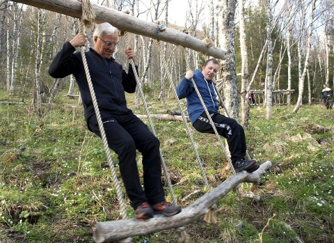 Balanse: Ved Stavassgården i Grane er det laget en flott balansepark, og den ble flittig benyttet.
