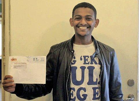 Lykkebrev: For Mohammed Haadi Ali gikk det ett år og 8-9 måneder fra han fikk vite at han har fått opphold i Norge til han fikk en endelig kommune å bo i. fOTO: bENEDICTE WÆRSTAD