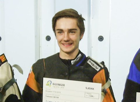 BANEREKORD: Simon Anfeldt Røstad tangerte banerekorden på stevnet i Bindal med 345. Det ga seier, pluss at han fikk med seg to tredjeplasser på de andre stevnene.