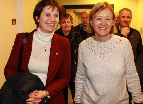 Kjersti Toppe (t.v.), fant tonen med sykehusdirektør Tanja Pedersen da hun besøkte sykehuset i Mosjøen.