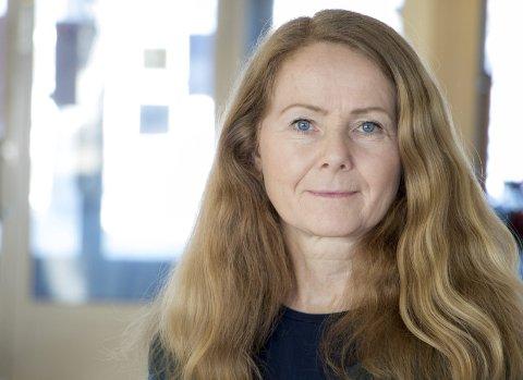 SMITTEVERNLEGE: Gunilla Persson (56) har jobbet fulltid på smittevernavdelingen i Västerbotten siden pandemien begynte. Foto: Pressefoto, region Västerbotten