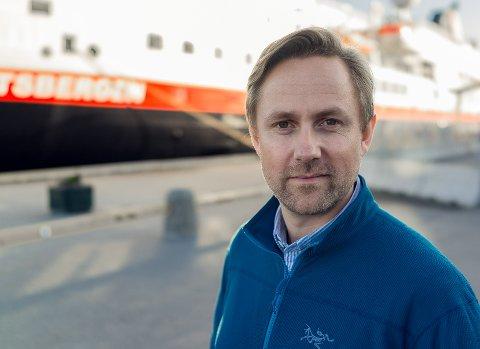 BEMANNER NED: Hurtigruten går fra 17 til sju ansatte på land i Kirkenes, forteller kommunikasjonssjef Rune Thomas Ege. Stillingene blir i byen fram til sommeren.