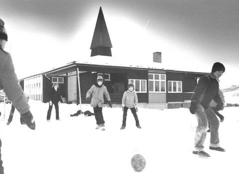 TÅRNET SKOLE: Tårnet skole ble bygd på 50-tallet, og er en del av en 150 år lang historie om skole i Jarfjord.