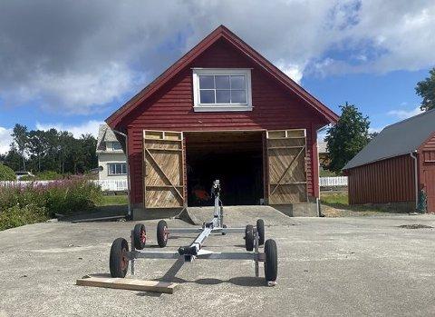 DYRT: Dette naustet i Sandvikjo blei seld for tett oppunder to millionar kroner. Foto: Eiendomsmegler1