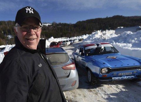 ENTUSIAST: Kjell Myhr gleder seg over nok en vellykket rallysprint i Vangestadmogen i Flesberg. – De kaller oss for Norges hyggeligste rallyarrangør, sier Myhr.FOTO: OLE JOHN HOSTVEDT