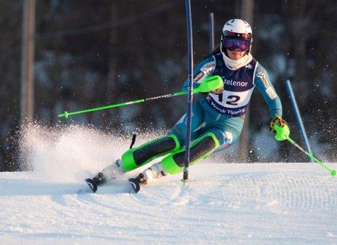 NM-BRONSE:; Carmen Sofie Nielssen i aksjon i slalåm-NM på Oppdal. Hun endte på bronseplass. FOTO: TROND AALDE