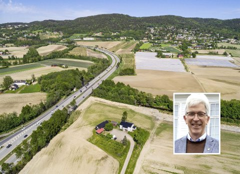 JORDVERN VIKTIGST: KrFs Morten Egeberg vil likevel vurdere å utrede andre alternativer enn Viker. - For oss er jordvernet viktigst, sier han.