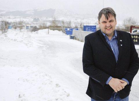 Jubler: Jonny Finstad jubler over offentliggjøringen om at Vestvågøy kommune får tildelt utviklingssenteret for sykehjem og tjenester som eneste kommune i Nordland. Det samme gjør Kommunalsjef Omsorg, Lars Pleym Ludvigsen. Foto: Arkiv