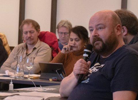 MENNESKEVERD: Steinar Bjørnstøl sier at omsorgen for demensrammede dreier seg om manneskeverd.