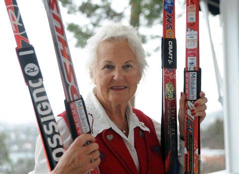 KLAR: Karin Madsen har forlengst funnet frem skiene.