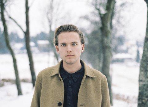 BYGUTT OG GÅRDSGUTT: Artisten «welhaven, welhaven» er oppvokst på Abildsø gård. Pressefoto
