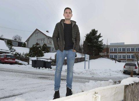 KAN BLI DYRERE: – I praksis må Gjøvik-studentene kjøpe disse boligene i Bergehusbakken en gang til, sier Jonathan Sørfonden i Studentparlamentet.FOTO: PER HOVLAND