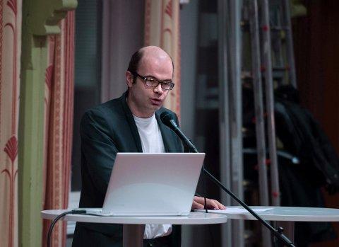 LISTETOPP I OPPLAND: Hans Olav Lahlum fra Gjøvik har planer om å drive en aktiv valgkamp for å få en plass på Stortinget til høsten. Han vil blant annet kjempe mot sentraliseringen. ARKIVBILDE