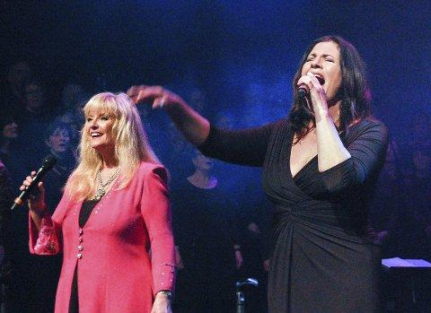 Vakkert: Hanne Krogh (t.v.)  bandt det hele sammen med en del av sine musikalske favoritter. Her med soulsangeren Marianne Antonsen.